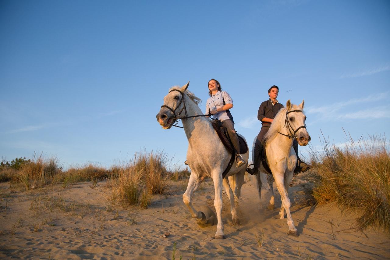 passeggiata a cavallo al mare